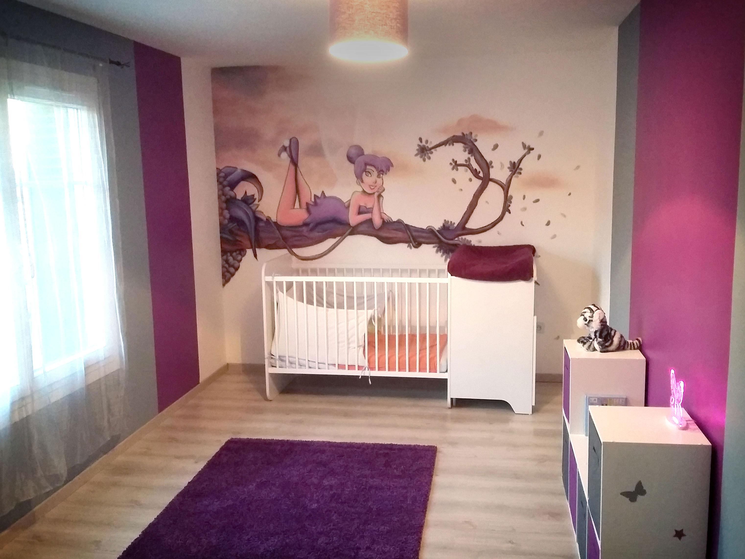 geograffeur-fee-clochette-decoration-chambre-violet-graffiti